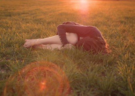 关于伤感爱情短句:哪有不懂浪漫的人,只有不肯对你赏析