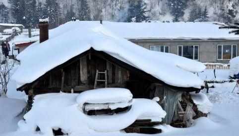 关于描写雪的含有比喻的诗句大全